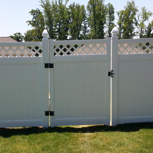White Lattice Top Vinyl Privacy Fence