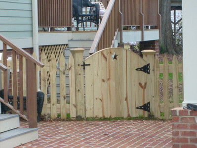 Custom Wood Decor Gate
