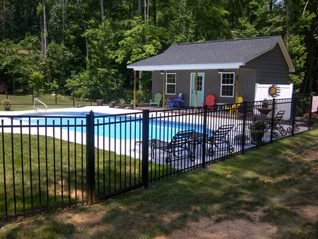 5 Great Reasons for a Backyard Pool with a Fence
