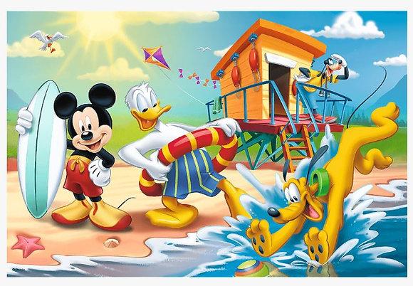 Diversión en la playa, Mickey y amigos