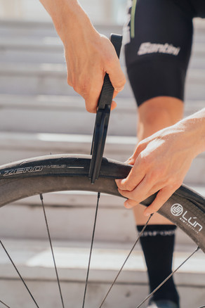 Is Tool is a MUST For Every Cyclist with TUBELESS TYRES? - Cycle Pal Tire seating tool