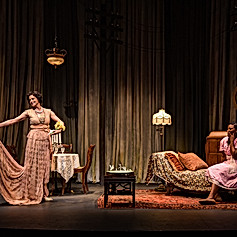 THE GLASS MENAGERIE - Amanda and Laura