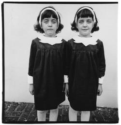 Twins - Diane Arbus.jpg