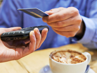 UK shoppers spend more than ever on contactless cards