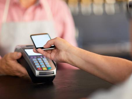 96% dos clientes que pagam com celular querem manter hábito após pandemia