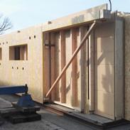 Die Holzbauelemente werden geliefert