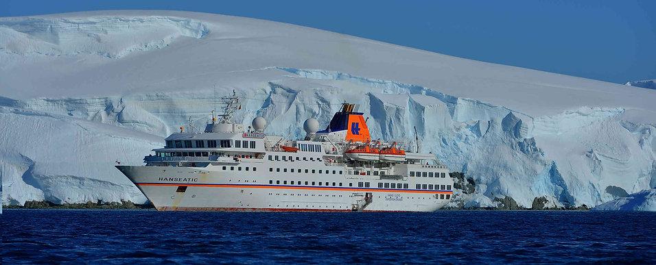 Antarktis_MsHanseatic.jpg