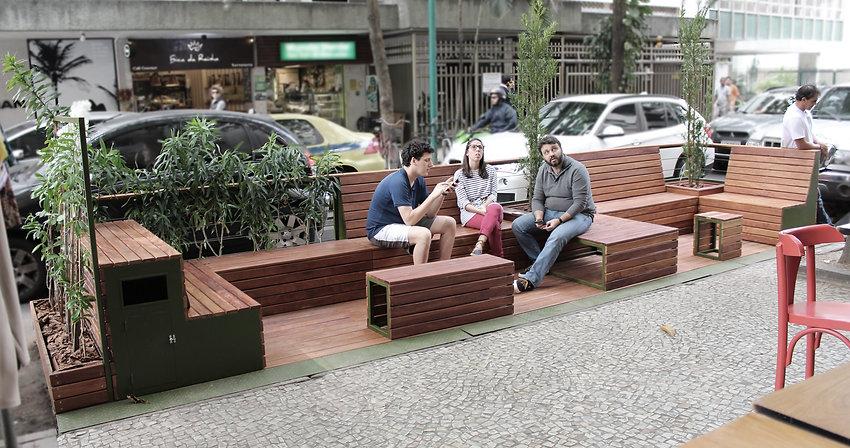 Parada Carioca Prima Bruschetteria Leblon - Projeto e execução do parklet: Baumann Arquitetura