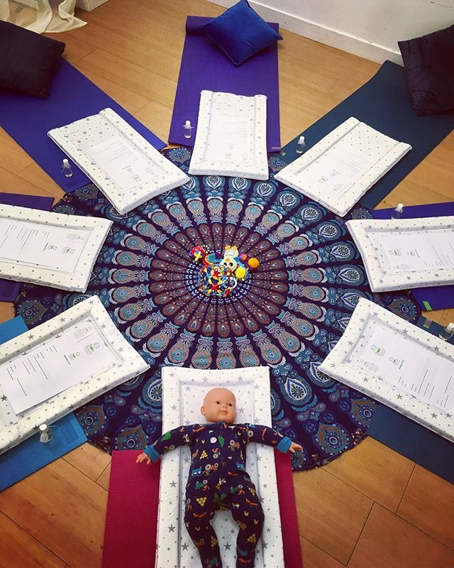 🌸 Today saw the start of a full Baby Massage course..