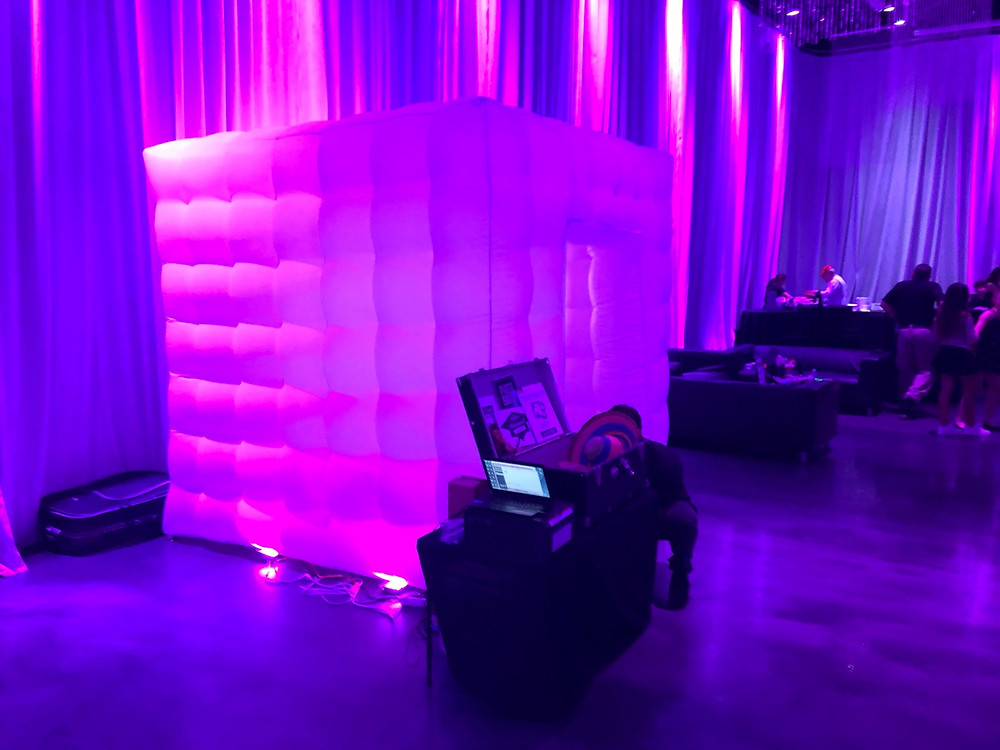 Enclosed Photobooth LED Cube