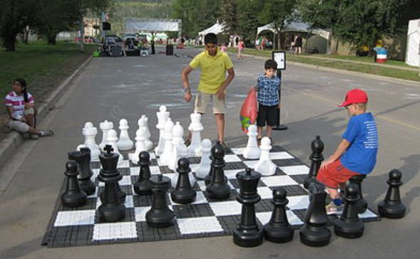 Jumbo Chess Rentals - South Florida Party Rentals - Miami 786-423-8759