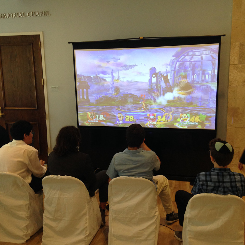 Video Gaming Projector Setup