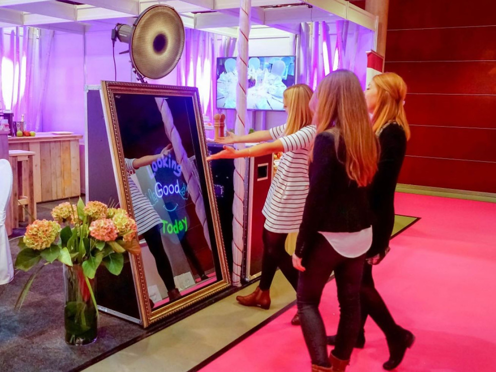 Mirror Booth Fort Lauderdale - Event Rentals - 786-423-8759