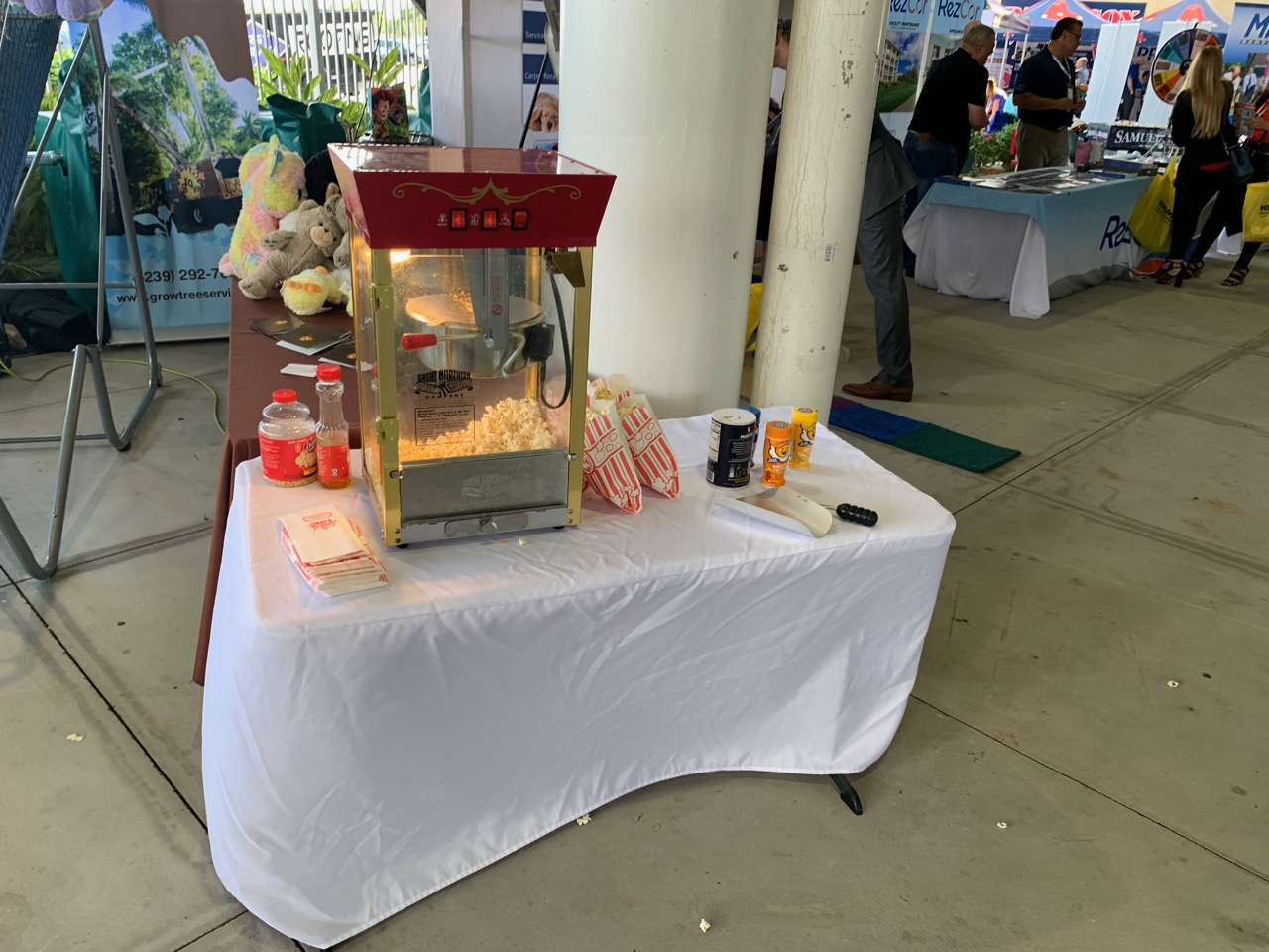 Large Popcorn Stand Rental Florida - Cor