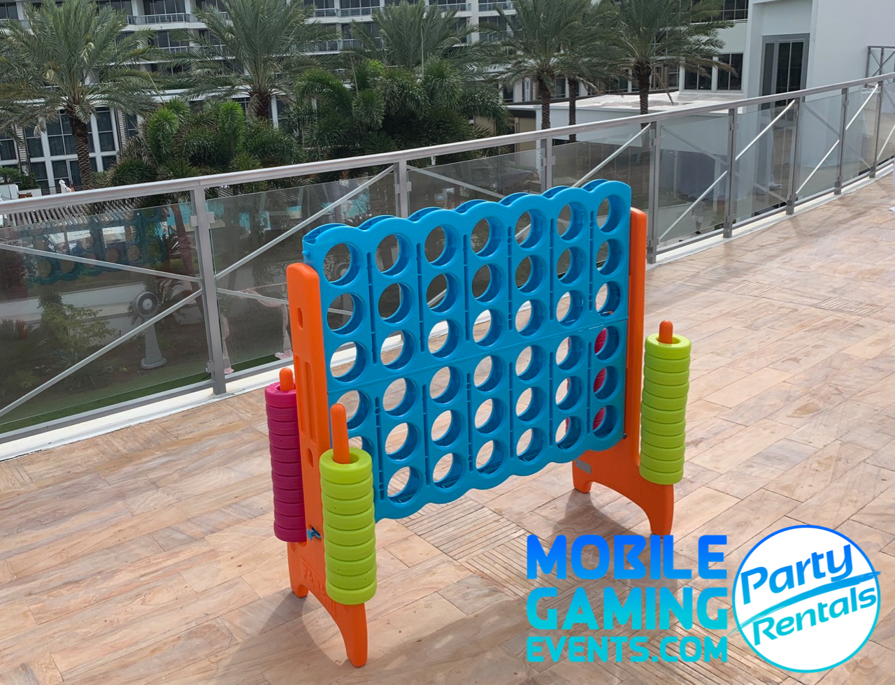 MGE Jumbo Connect 4 Florida - Party Rent