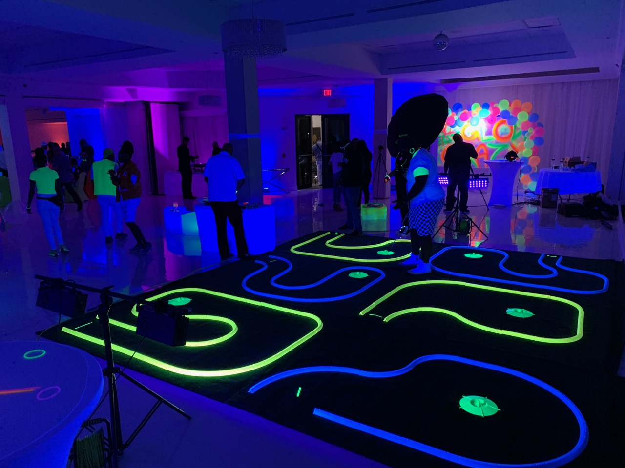 Blacklight Mini Golf Rental Florida - Bi