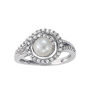 Pearl and Diamond Right Hand Ring