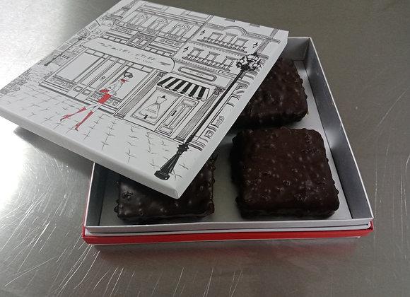 4 bouchées pralinées au chocolat noir