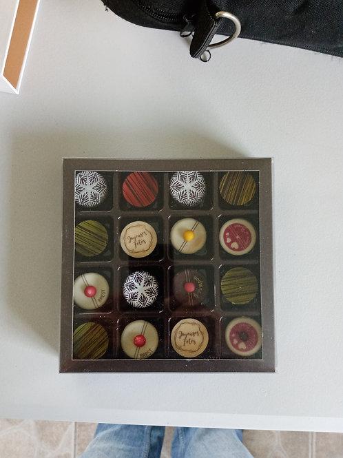 Boîte de 16 pompons et chocolat praliné