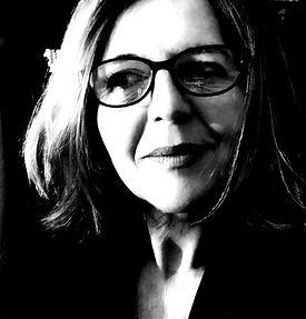 Rosa Alcántara Menéndez, escritora española. Novela romántica, suspense y otra forma de contar historias para soñar