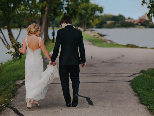 Beckets Atrium Oshkosh Wedding | Oshkosh Wedding Photographer