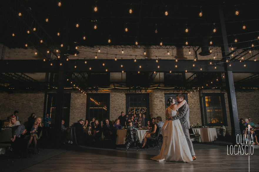 Wisconsin Wedding Photographers - Green Bay wedding venues