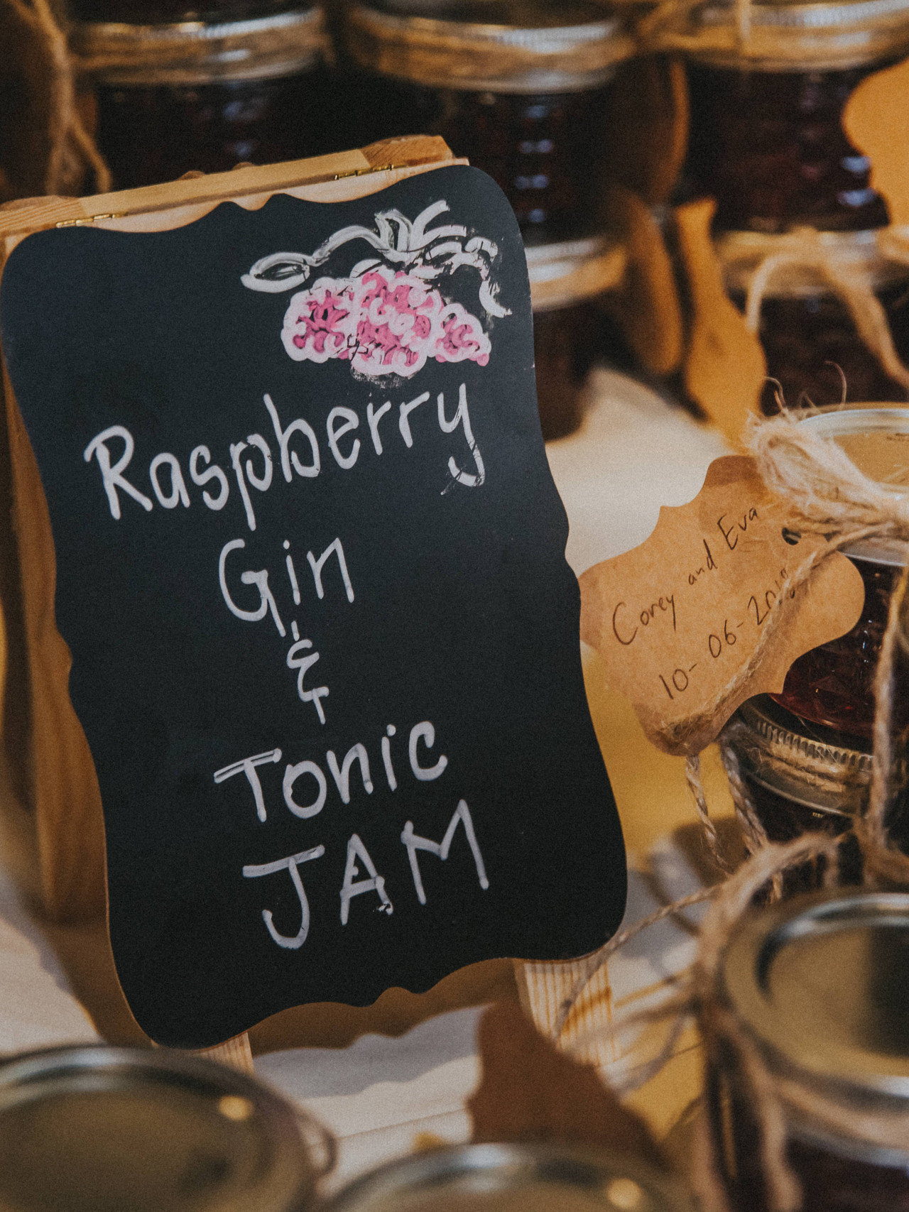 A close up of a sign with Raspberry Gin & Tonic Jam
