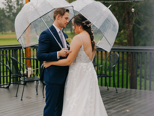 A Rainy Day Wedding in Central Wisconsin | Stevens Point Country Club