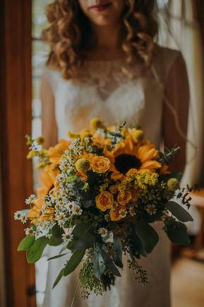 A close up of a sunflower bouquet in a Milwaukee, Wisconsin wedding