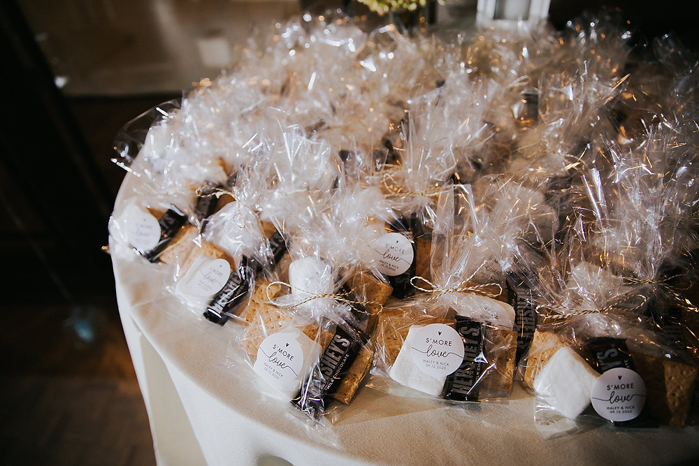 s'mores wedding favors - Stevens Point Wedding Photographers