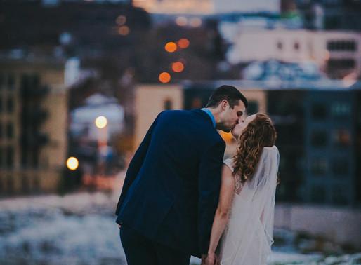 Downtown Milwaukee Wedding at the Red Lion Pub | Milwaukee Wedding Photographer