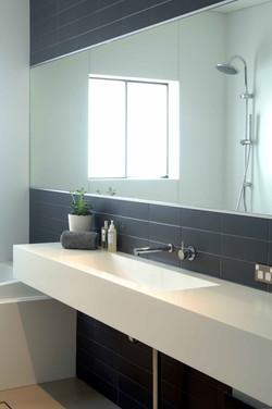 Hanex bathroom top