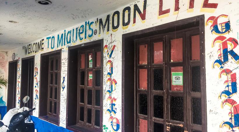 MiguelsMoonlite13-tasteofisla-islamujere