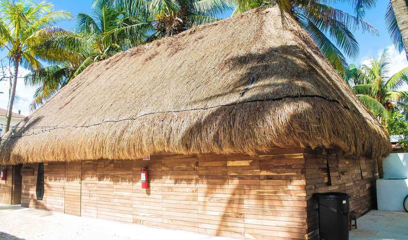 Pocna-Dive-Center-Selinas-isla-mujeres-m