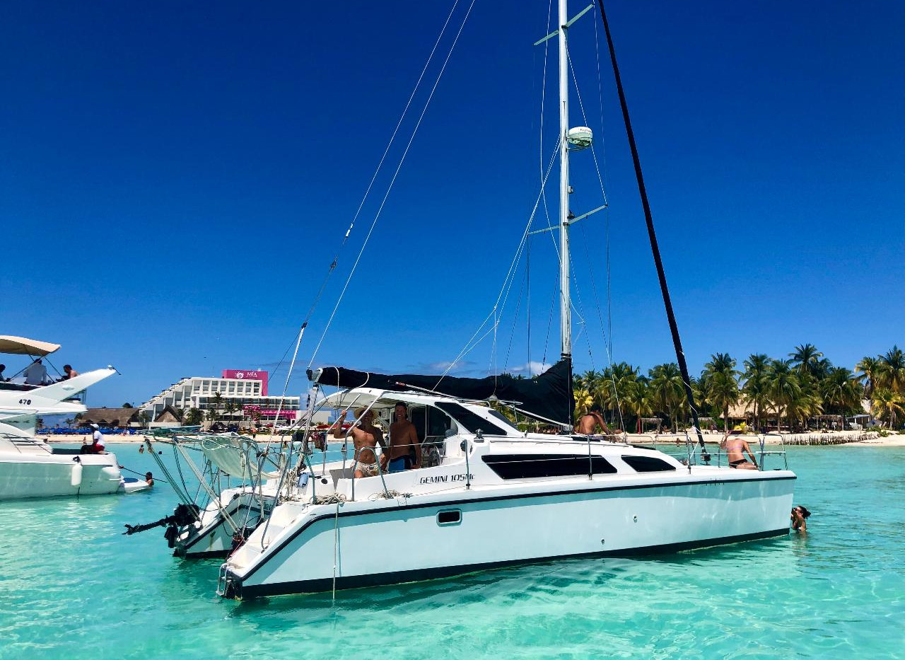 Mexico Diver | Yacht Rental | Isla Mujeres, Mexico