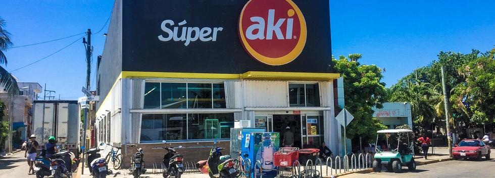 SuperAki-LaGloria1-tasteofisla-islamujer