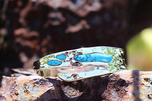 Island Bracelet With Turquoise – Hammered
