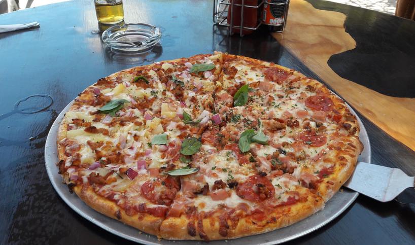 OscersGrillPizza2-tasteofisla-islamujere