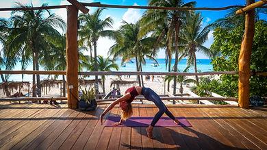 34-Yoga-Laura-Studio-Isla-Mujeres-Mexico