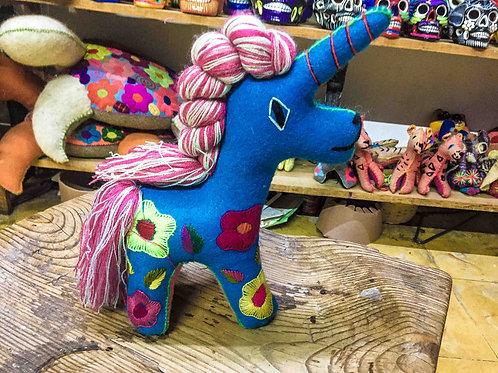 """Artisan Handmade Plush """"Unicornio"""""""