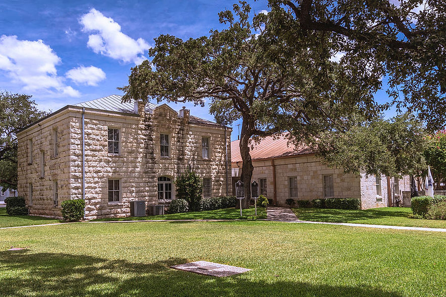 historic-real-county-courthouse-texas-de