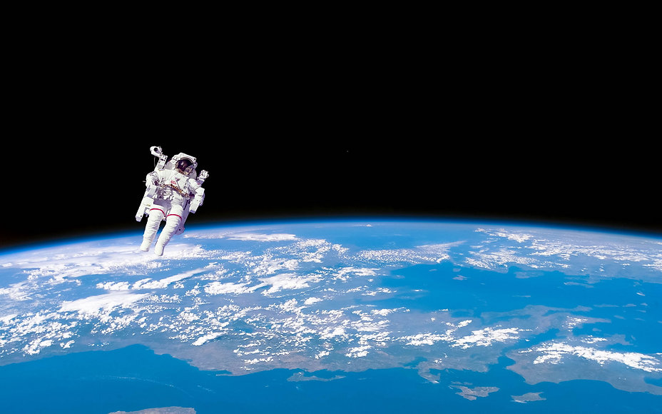space-walk-desktop-background.jpg