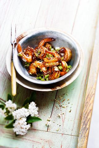 crevettes sautées au miel et au piment, sésame