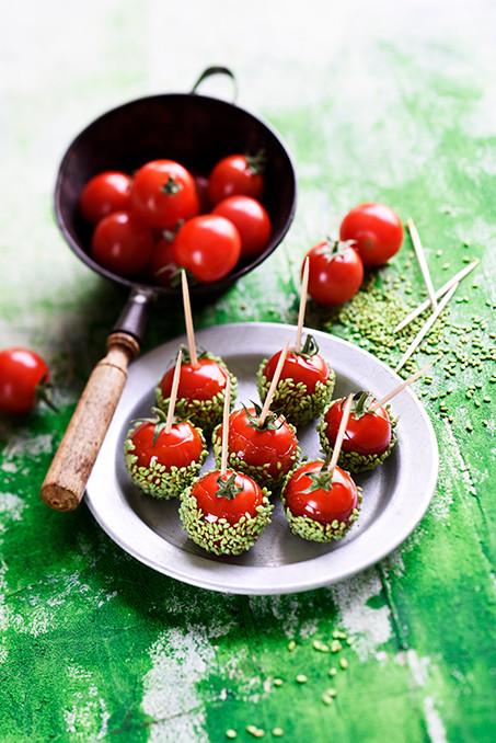 tomates cerises laquées au sésame au wasabi