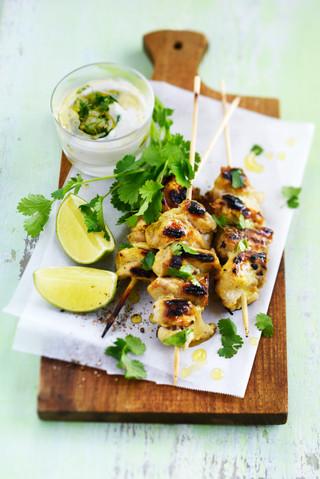 brochettes de poulet marinées au yaourt, moutarde et citron