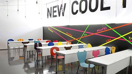 Collection les 10 chaises tsé tsé bois colorées coloris amusante drôle design indoor outdoor couleurs vie