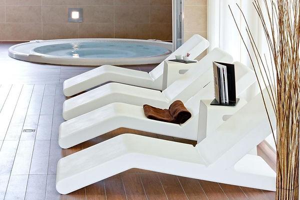 bain soleil méridienne transat design wok pascal bauer spa piscine remise en forme bien être détente vacances pool swimming garden terrasse jardin loft luxe luxueux