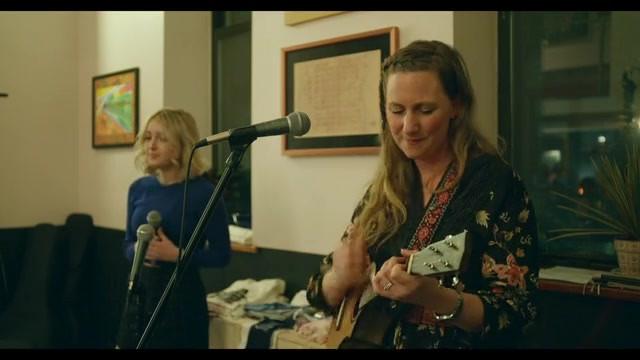 Victoria Vox - live at Paul's House Conc