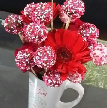 Valentine's day flower and cake pops arr