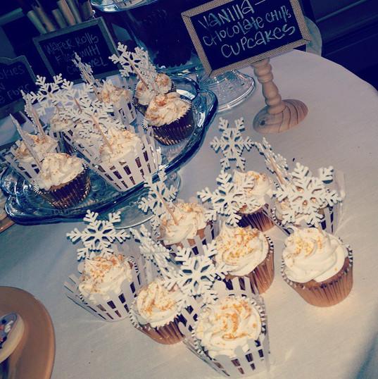 My winter wedding cupcakes